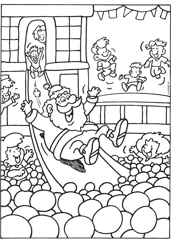 Kerstman in een indoor speelparadijs
